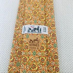 Hermès Silk Tie: Geometric Floral Print Pattern